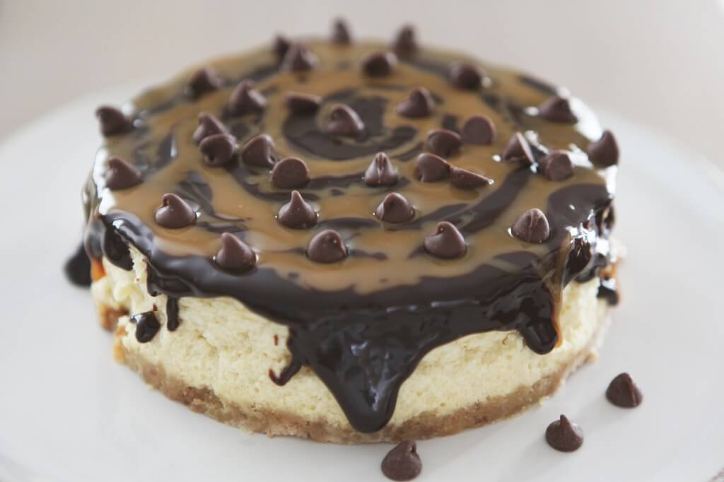 Cheesecake with Chocolate Caramel Topping Recipe