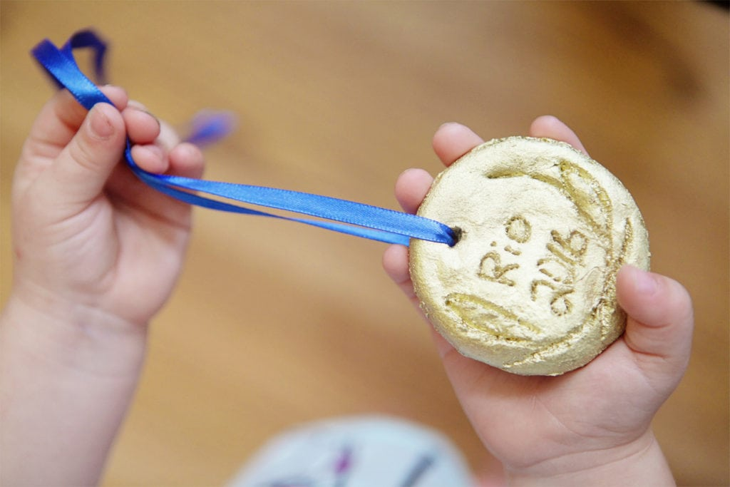 Make your own olympic medal - The everyday mom life